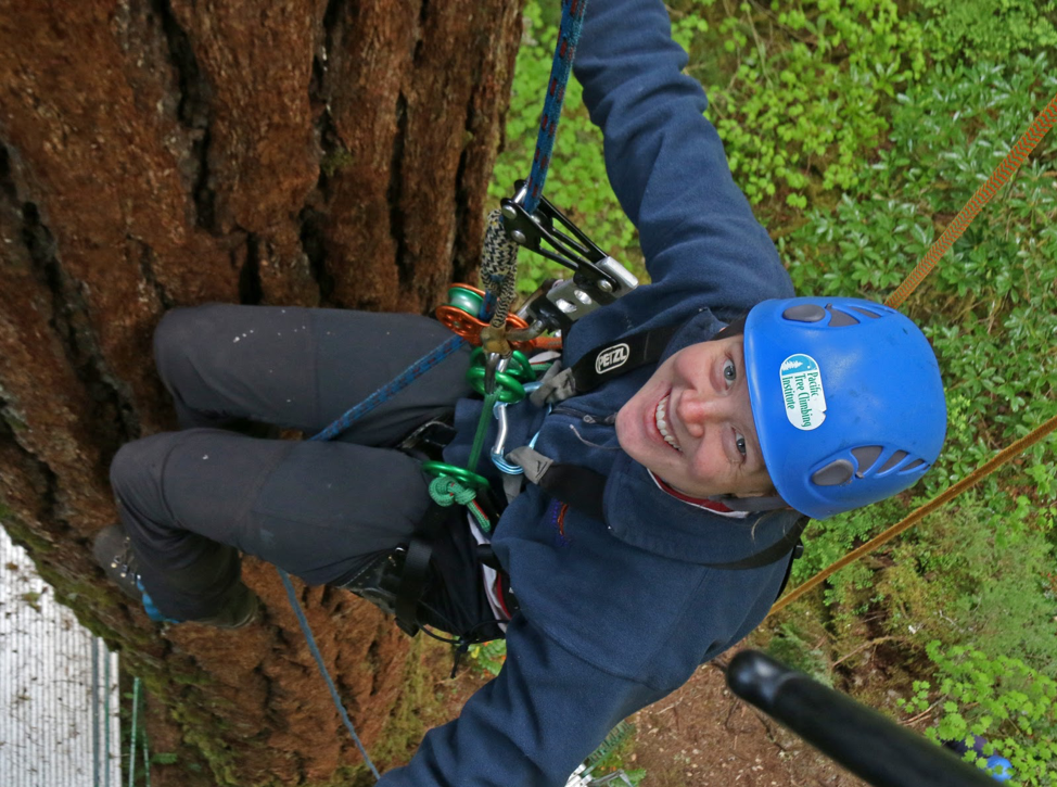 Sarah of the Pacific Tree Climbers.